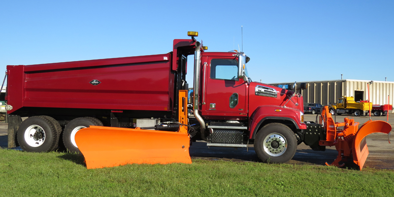 J-Craft Dump Body with Plow 2014
